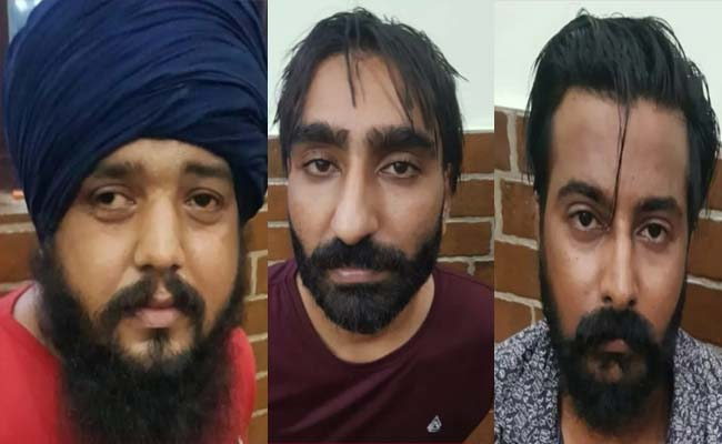Police-arrested-three-gangster